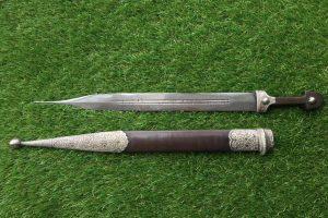 Кинжал-кама Кавказ 19 век с противокальчужным клинком серебро