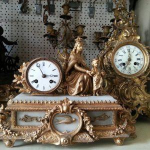 Каминные часы Богородица с Иисусом  кон 19 века