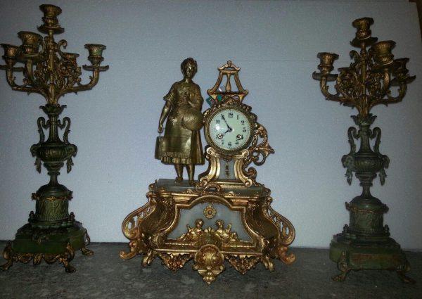 Каминные часы с канделябрами  кон. 19-го века