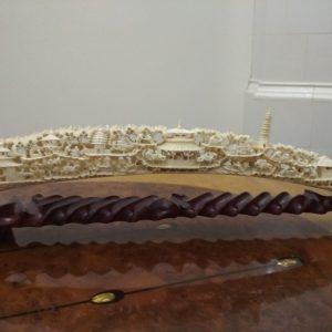 Бивень с изображением сельских сцен (слоновая кость)  Китай