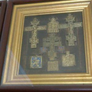 Набор из семи икон пластика Распятие . Россия