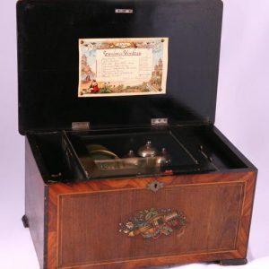 Музыкальная шкатулка XIX век